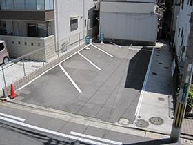 税理士事務所の駐車場2